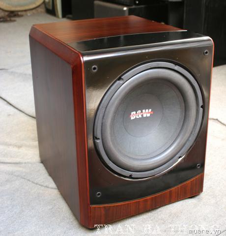 loa Sub B&W 604 Bass 30