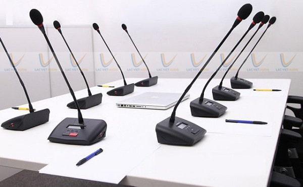 Giá thành của mic hội thảo không dây thường khá cao